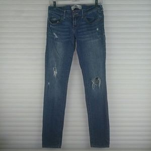 Hollister Distressed Skinny Light Wash Jeans S